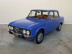 """Alfa Romeo - Giulia Nuova Super 1.6 - 1975 DETAILS- Geldige keuring: ja- Documenten: ItaliaansBeschrijving:Deze legendarische sport sedan van Alfa Romeo is een zeer gewild model Giulia Super 1600 ASI gecertificeerd. De kleur van de carrosserie is een zeer zeldzame """"Blue le Mans"""" slechts op een paar auto's van dit model aangebracht.De auto is altijd in het warme Sicilië gebleven nooit te maken gehad met koude of sneeuw. Ongeveer 10 jaar geleden is een conservatieve restauratie uitgevoerd. De…"""