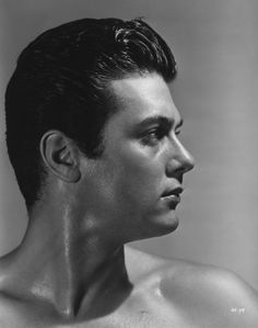 Tony Curtis was the epitome of dark male beauty in the Butch lesbians emulated his style. Hollywood Men, Old Hollywood Glamour, Golden Age Of Hollywood, Vintage Hollywood, Hollywood Stars, Classic Hollywood, New York City, Janet Leigh, Cinema