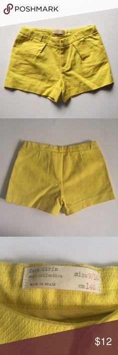 ZARA GIRLS soft collection Yellow shorts Size 9/10. No damage, gently worn. Zipper and tab closure. Zara Bottoms Shorts