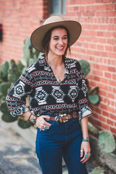 Shopping Vintage: How I do it Want to know my secrets to finding all of my awesome vintage pieces? I'm telling all! #western #fashion #westernfashion #vintage