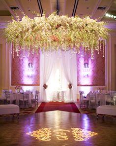 arreglo floral boda techo - Google Search
