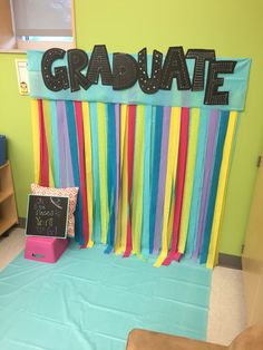 End of year photo booth - Kindergarten - Pre-school Bethany Ford Pre School Graduation Ideas, Graduation Crafts, Graduation Theme, Graduation Decorations, Kindergarten Party, Kindergarten Graduation, Kindergarten Lessons, End Of Year, Photo Booth
