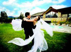 Our local Jasper photographers will be sure to capture all the special moments during your Rocky Mountain Wedding.