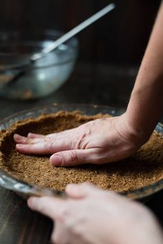 Recipe Using Ginger, Pastry Recipes, Dessert Recipes, Ginger Snap Cookies, Cookie Crumbs, Sweet Tarts, Ginger Snaps, Pumpkin Cheesecake, Delicious Desserts