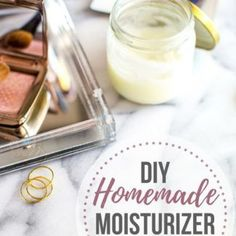 With just 3 ingredients (coconut oil, shea butter + olive oil), this DIY homemade moisturizer will leave your skin soft, smooth + glowing! Homemade Moisturizer, Anti Aging Moisturizer, Tinted Moisturizer, Homemade Eye Cream, Lip Scrub Homemade, How To Do Eyeshadow, Homemade Beauty Tips, Diy Beauty