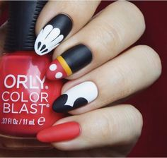 Birthday Nails Art Mickey Mouse 68 Trendy Ideas You are in the right place about nail neon summer He Disney Nail Designs, Nail Designs Spring, Nail Art Designs, Nails Design, Disney Nails Art, Simple Disney Nails, Design Art, Birthday Nail Designs, Birthday Nail Art