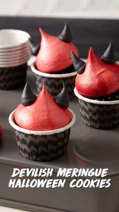 Happy Halloween, Halloween Goodies, Halloween Desserts, Halloween Cakes, Halloween Treats, Halloween Party, Cupcakes, Cupcake Cookies, Fondant Figures