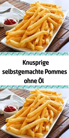 Crunchy homemade french fries without oil Knusprige selbstgemachte Pommes ohne Öl Appetite for french fries? Prepare yourself a healthier option - without oil, without fat, without deep-frying. Homemade Fries, Homemade French Fries, Dessert Sans Gluten, Bon Dessert, Healthy Protein, Healthy Drinks, Potato Crisps, Healthy Sandwiches, Sandwich Recipes