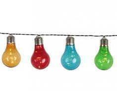 VIVRE 3 db AA típusú, 1.5V elemmel működik, ami nincs mellékelve. 50 LED-et tartalmaz(5 db lámpaernyőnként), ami állandó, fehér, meleg fényt bocsájt ki.LED élettartama: 10000 óra.Feszültség: 4,5 V DC. Védettségi  szint: IP44.Tápkábel hossza: 50 cm.