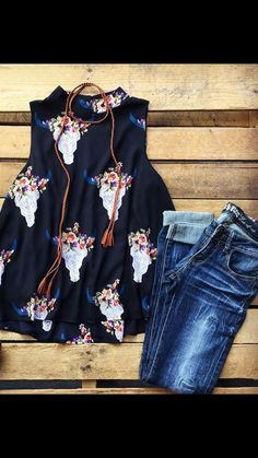 Not so much the skulls but the color combo and relaxed feeling country outfits, western Casual Outfits, Cute Outfits, Fashion Outfits, Womens Fashion, Western Outfits, Western Wear, Spring Summer Fashion, Spring Outfits, Summer Country Outfits