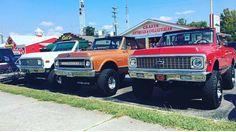"""323 Likes, 1 Comments - K5 Blazers and Jimmies (@k5blazer_jimmy) on Instagram: """"Squad goals @treytucker_ @classic.gm @silverado_sierra_trucks #k5 #k5blazer #k5jimmy #blazer #jimmy…"""""""