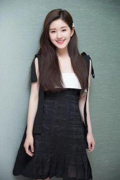 Korean Beauty Girls, Beauty Full Girl, Sexy Asian Girls, Asian Beauty, Beautiful Girl Makeup, Beautiful Chinese Girl, Beautiful Girl Image, Prettiest Actresses, Beautiful Actresses
