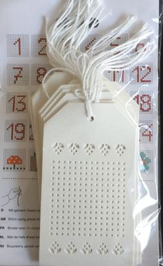 Marjolein Bastin, Cross Stitch Cards, Crossstitch, Greeting Cards Handmade, Plastic Canvas, Holidays And Events, Cross Stitch Patterns, Free Printables, Needlework