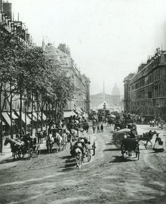 La rue Royale, vers 1860-1870, il y a 150 ans! (photo par Ferrier et Soulier).  Paris d'antan, Facebook