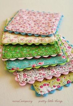 Pot Holders Craft-O-Maniac: Top 20 Handmade Gifts Sewing Hacks, Sewing Tutorials, Sewing Patterns, Sewing Tips, Sewing Ideas, Craft Gifts, Diy Gifts, Easy Homemade Gifts, Food Gifts