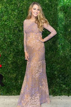 Blake Lively Pregnancy Style - Blake Lively Fashion - Elle