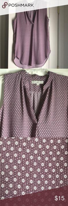Loft like new sleeveless blouse Geometric design with b neck. Back is longer than front LOFT Tops Tunics