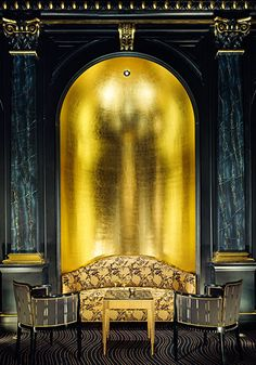 The Grill at the newly refurbished Hotel Savoy, in London. The drama in this room is to die for!  Yeah, I realize that sounded dramatic (and pretentious). *Snickers*