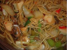 Here's a recipe that is seriously better than take out! That gives you lots of left overs. I would you fresh bean sprouts, but all I had on hand was can. Feel free to use, shrimp, chicken or pork. Have fun with this recipe!