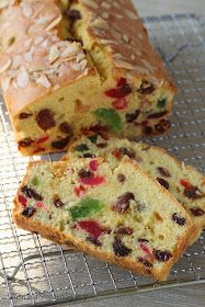 BitterSweetSpicy: Light Fruit Cake Punch Recipes, Easy Cake Recipes, Dessert Recipes, Desserts, Bread Recipes, Fruit Cake Loaf, Fruit Cakes, Loaf Cake, Light Fruit Cake Recipe