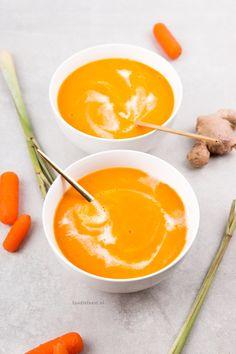 Wortelsoep met gember en citroengras - goed bij verkoudheid – Foodie Feest Vegetarian Recepies, Vegan Soups, Healthy Recipes, Healthy Food, Veg Patch, Thai Red Curry, Good Food, Low Carb, Favorite Recipes