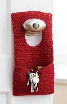 Ravelry: Felted Door Knob Organizer #144 pattern by Patons (FREE PATTERN)