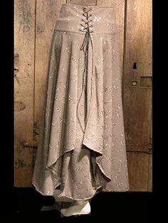 medieval, renaissance clothing – woman skirt – Julianne – Anne Larochelle