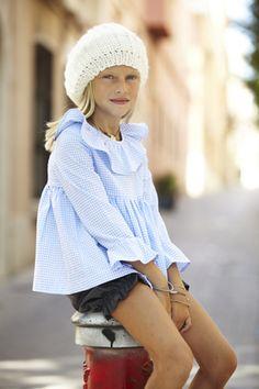 Colección otoño-invierno 2014 de la firma de #moda infantil #pepitobychus www.pepitobychus.com #niños #niñas #bebé #trendy #tendencias Little Girl Outfits, Kids Outfits Girls, Cute Outfits For Kids, Cute Kids Fashion, Baby Girl Fashion, Toddler Fashion, Trendy Kids, Stylish Kids, Short Niña