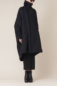 Visions of the Future // Rick Owens Lilies Quilted Sail Coat Dark Fashion, Winter Fashion, Fashion Fashion, Korean Fashion, Fashion Tips, Mode Style, Style Me, Moda Chic, Mode Outfits