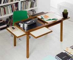 Hexa-extendable-table