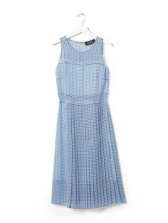 Blue crush! This dreamy blue gingham print sleeves dress from our exclusive Timo Weiland capsule collection is the perfect transitional piece into the warmer months to come. The silk knee legnth dress will definitely turn a few heads | Banana Republic