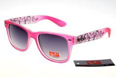 Ran-Ban Rare Print 25081 Pink Pattern Frame Gray Lens: I don't have a pink pair of sunglasses yet. Discount Sunglasses, Cheap Ray Ban Sunglasses, Wayfarer Sunglasses, Sunglasses Sale, Sunglasses Online, Ray Ban Wayfarer, Lunette Ray Ban, Dior, Beast