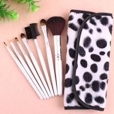 Kit 7 Pinceaux Maquillage Professionnel Visage Yeux avec trousse Pois Makeup #maquillage #makeup #brushes #pinceaux #tips beaute-beauty.com