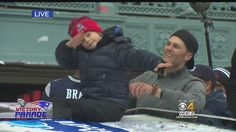 Tom with Ben dabbing during the super bowl parade today ! Tom Brady Son, Tom Brady And Gisele, Parade Route, Go Pats, Superbowl Champions, Duck Boat, Patriots Football, Boston Strong, Boston Sports
