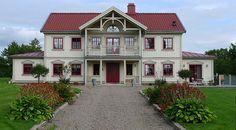 Ängelund 2033 - Lövsta Trähus Country Home Exteriors, Swedish House, Classic House, House Front, Exterior Colors, House Floor Plans, Farm Life, House Colors, Beautiful Homes