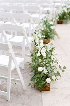 Photography : Tamara Gruner Photography | Floral Design : Something Styled,  Inc. | Venue : Cielo At Castle Pines Read More on SMP: http://www.stylemepretty.com/little-black-book-blog/2016/11/03/rustic-elegant-colorado-wedding/