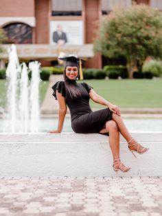 Nursing Graduation Pictures, College Senior Pictures, Graduation Picture Poses, Grad Pictures, College Graduation Pictures, Graduation Photoshoot, Grad Pics, Cap And Gown Pictures, Graduation Photography