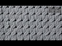 EZ Knitting Cable Stitch - how to crochet chunky blanket Cable Knitting, Knitting Stitches, Knitting Yarn, Knitting Patterns, Scarf Patterns, Knit Cowl, Knitting Machine, Hand Knit Blanket, Blanket Yarn