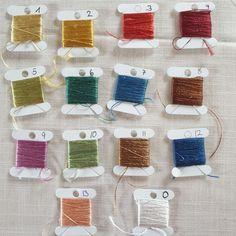 Sehr hochwertige naturgefärbte Haspelseide, die sich besonders gut zum Sticken eignet. Hair Nets, Embroidery Supplies, Colors