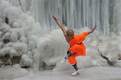 Meditation Letting go Kung Fu Martial Arts, Chinese Martial Arts, Martial Arts Training, Marshal Arts, Shaolin Kung Fu, Kyokushin, Body Study, Peace Art, Taoism