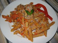 Low carb Roasted Red Pepper Pesto (basil, garlic, pine nuts, Parmesan, EVOO, balsamic)... not the pasta