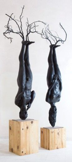 Tension: The perfectly aligned human figures standing on their heads creates a baffling response. The viewer expects the figure to topple over at any moment, however, the figures remain upright. What Is Contemporary Art, Modern Art, 3d Figures, Human Figures, Art Folder, Ceramic Figures, Pottery Sculpture, Art N Craft, Art Object