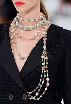 chanel 2016 details // statement necklace