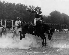 Famed rodeo horsewoman Mabel Strickland in 1925. | 15 Retro Pics Of Truly Badass Cowgirls
