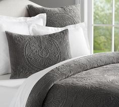 Velvet Medallion Coverlet Quilt & Pillowcase