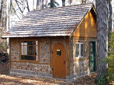 For the DIY-er with access to cordwood, this old-school building technique is one way to live the debt-free dream life!