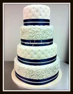 Navy and white wedding cake! This is so well decorated. I love how clean cut it is Candy Centerpieces, Wedding Reception Centerpieces, Quinceanera Centerpieces, Pretty Cakes, Beautiful Cakes, Amazing Cakes, Sweet 16 Decorations, Quince Decorations, Navy Yellow Weddings