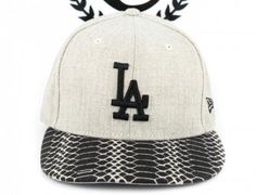 da9f6389d Los Angeles Dodgers Oatmeal Snake 59Fifty Fitted Baseball Cap by NEW ERA x  MLB Fitted Baseball