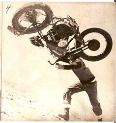 Armando Magri loosin' hold of his scoot!...That right, just step into it, lift and twist, and you to can teach any motorcycle a good lessen.