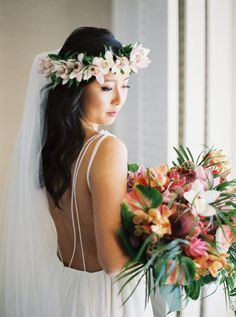 Home Was The Perfect Destination For These Hawaii Natives Beach Wedding Hair, Red Wedding, Summer Wedding, Garden Wedding, Bridal Hair, Wedding Flowers, Beach Wedding Centerpieces, Wedding Cake Decorations, Bridal Beauty
